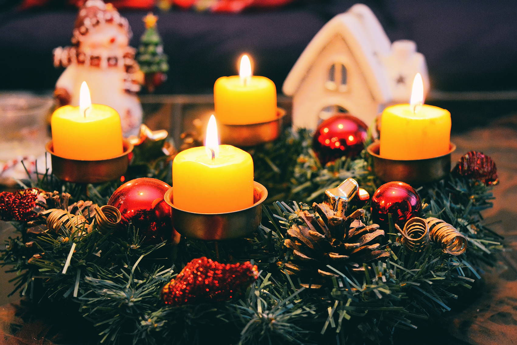 10 Ways to Cozy Up Your Home for the Holidays